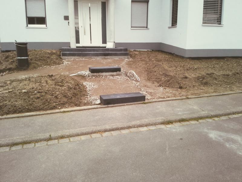Blockstufen Verlegen (Eingangspodest Mit Blockstufen Umrahmt)